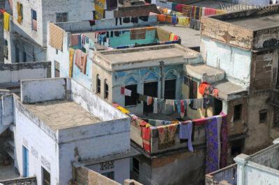 IN08033-Waranasi-widok ztarasu nabliskie sasiedztwo