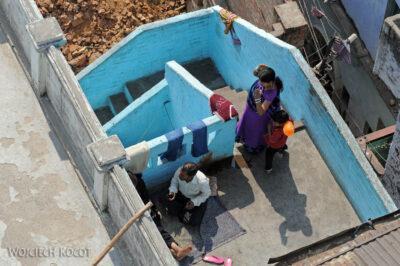 IN08037-Waranasi-widok ztarasu nabliskie sasiedztwo