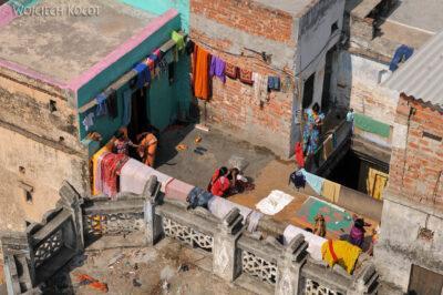 IN08038-Waranasi-widok ztarasu nabliskie sasiedztwo