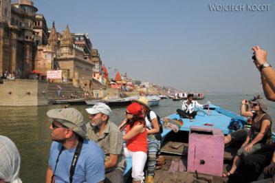 IN08070-Waranasi-na naszej łodzi