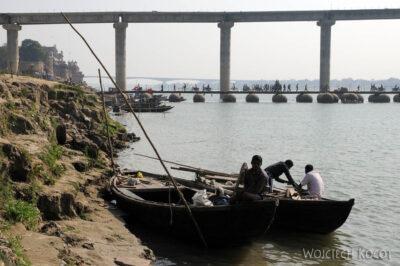 IN08111-Waranasi-łodzie naGandze