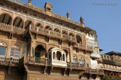 IN08125-Waranasi-Fort Maharadży (podrugiej stronie Gangi)
