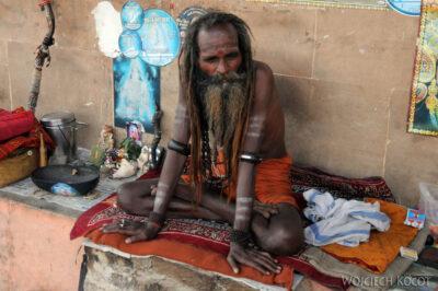 IN10051-Waranasi-Naga Baba naGhacie