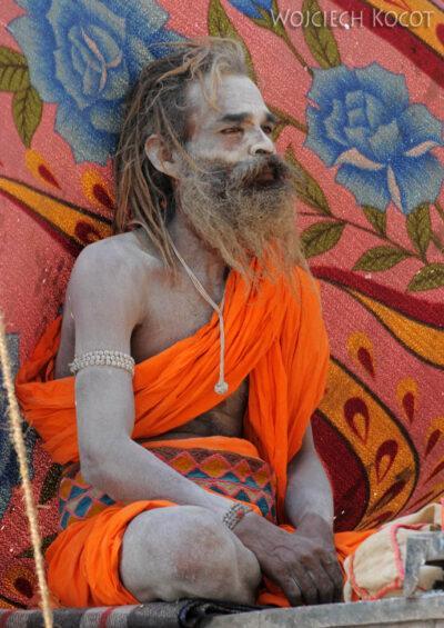 IN10056-Waranasi-Naga Baba naGhacie