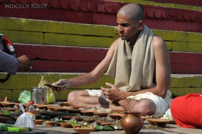 IN10069-Waranasi-Hindus
