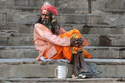 IN10091-Waranasi-Naga Baba naGhacie