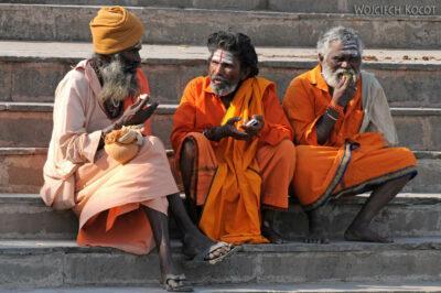 IN10092-Waranasi-Naga Baba naGhacie