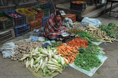 IN14069-Kathmandu-Bhaktapur-stragan