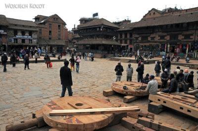 IN14101-Kathmandu-Bhaktapur-przy placu Tachupal