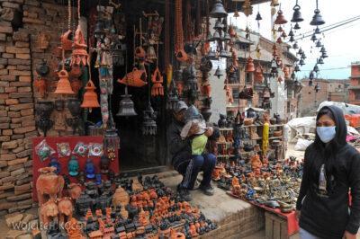 IN14111-Kathmandu-Bhaktapur-stragan zceramiką