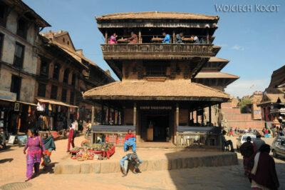 IN14116-Kathmandu-Bhaktapur-przy placu Tachupal
