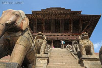 IN14122-Kathmandu-Bhaktapur-pagoda naplacu Tachupal