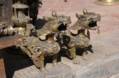 IN14164-Kathmandu-Bhaktapur-stragan zmosiądzem