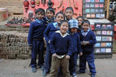 IN14171-Kathmandu-Bhaktapur-dzieciaki
