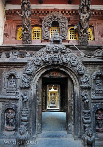IN14240-Kathmandu-Patan-złota świątynia buddyjska