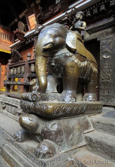 IN14246-Kathmandu-Patan-złota świątynia buddyjska