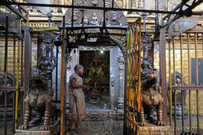 IN14249-Kathmandu-Patan-złota świątynia buddyjska