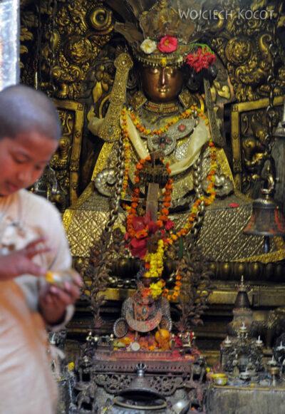 IN14250-Kathmandu-Patan-złota świątynia buddyjska