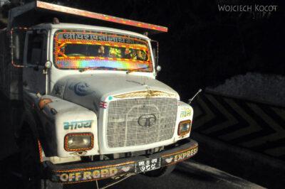 IN15003-ciężarówka