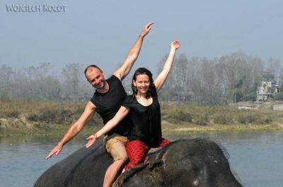 IN16066-Chitwan-kąpiel zasłoniem-Maryla iMarcin