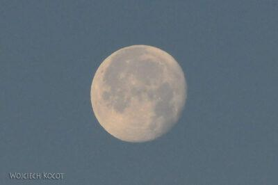 IN20025-Treking-dz3-Księżyc