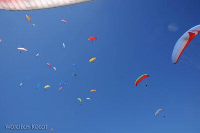 IN21048-Pokhara-tlok-w-powietrzu