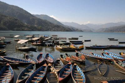 IN21132-Pokhara-łodzie najeziorze