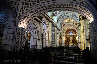 PBb019-Wnętrze Koscioła Św Franciszka