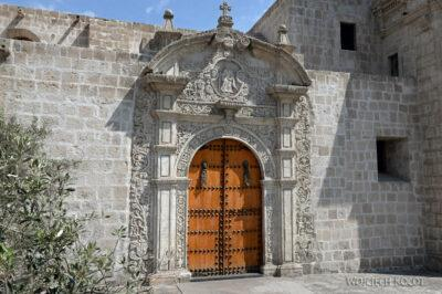 PBe121-Arequipa-Kosciół San Domingo