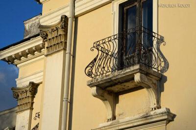 BałtA075-Pałac Tyszkiewiczów podWinem