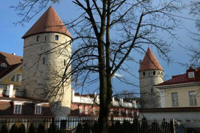 BałtF310-Tallinn-Miejskie Mury wieczorem