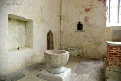BałtI075-Kościół wPöide-też bezwieży