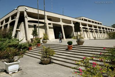 Irnc097-Teheran-Przy Muzeum Dywanów