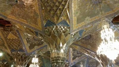 Irng058-Mashhad-nocą przy grobie Imama Rezy