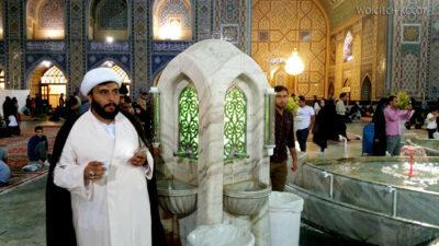 Irng084-Mashhad-nocą przy grobie Imama Rezy