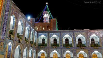 Irng089-Mashhad-nocą przy grobie Imama Rezy