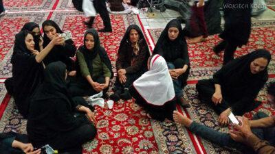 Irng104-Mashhad-nocą przy grobie Imama Rezy