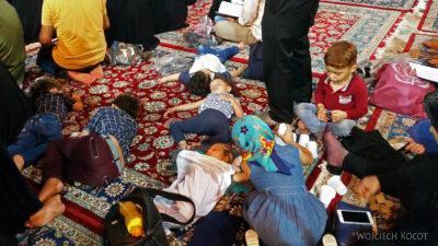 Irng106-Mashhad-nocą przy grobie Imama Rezy