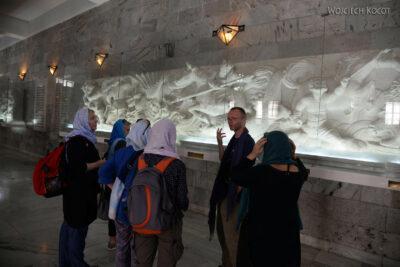 Irnh137-Przy Mausoleum Ferdousiego