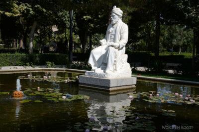 Irnh158-Przy Mausoleum Ferdousiego