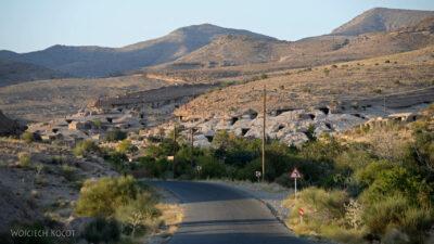 Irni055-W wiosce Meymand