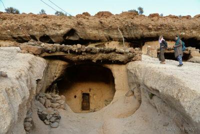 Irni061-W wiosce Meymand