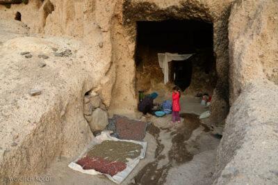 Irni076-W wiosce Meymand