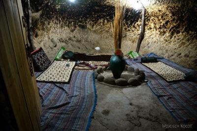 Irni117-W wiosce Meymand