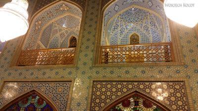 Irnn238-Shiraz-Sanktuarium Emamzadeh Shahcheragh nocą