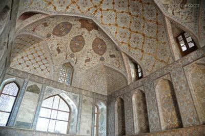 Irnr125-Isfahan-w Ali Qapu Palace