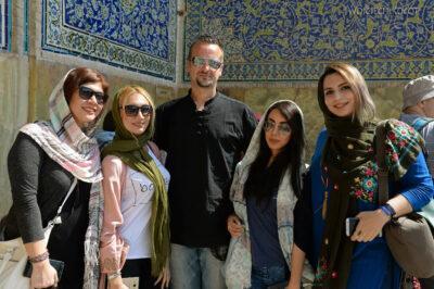 Irnr154-Isfahan-Tomek zdziewczynami