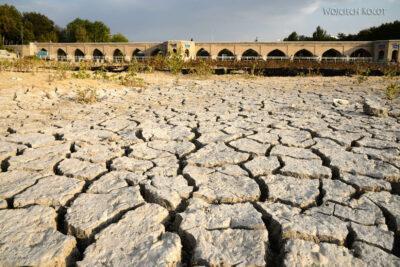 Irnr182-Isfahan-suche koryto rzeki iMost Dziecko