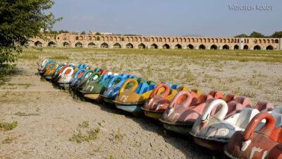 Irnr220-Isfahan-nad suchą rzeką
