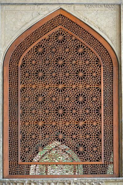 Irns045-Isfahan-Pałac 40 Kolumn